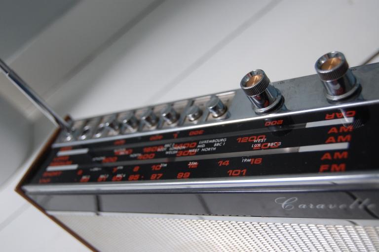 Ferguson Caravelle 50s radio detail