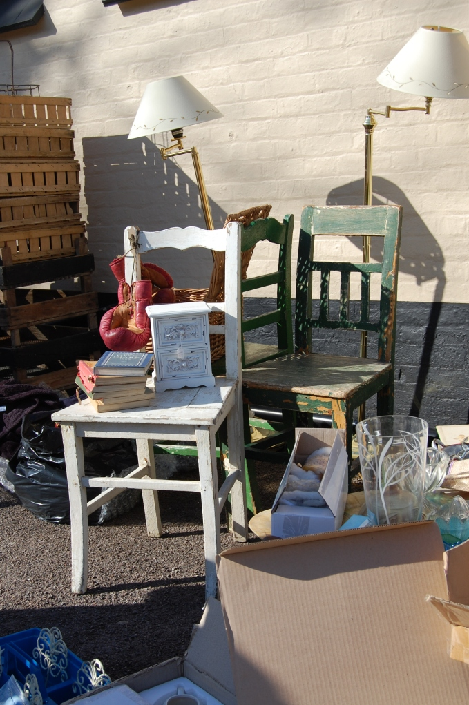 Swan Antiques, Boxmoor - flea market chairs