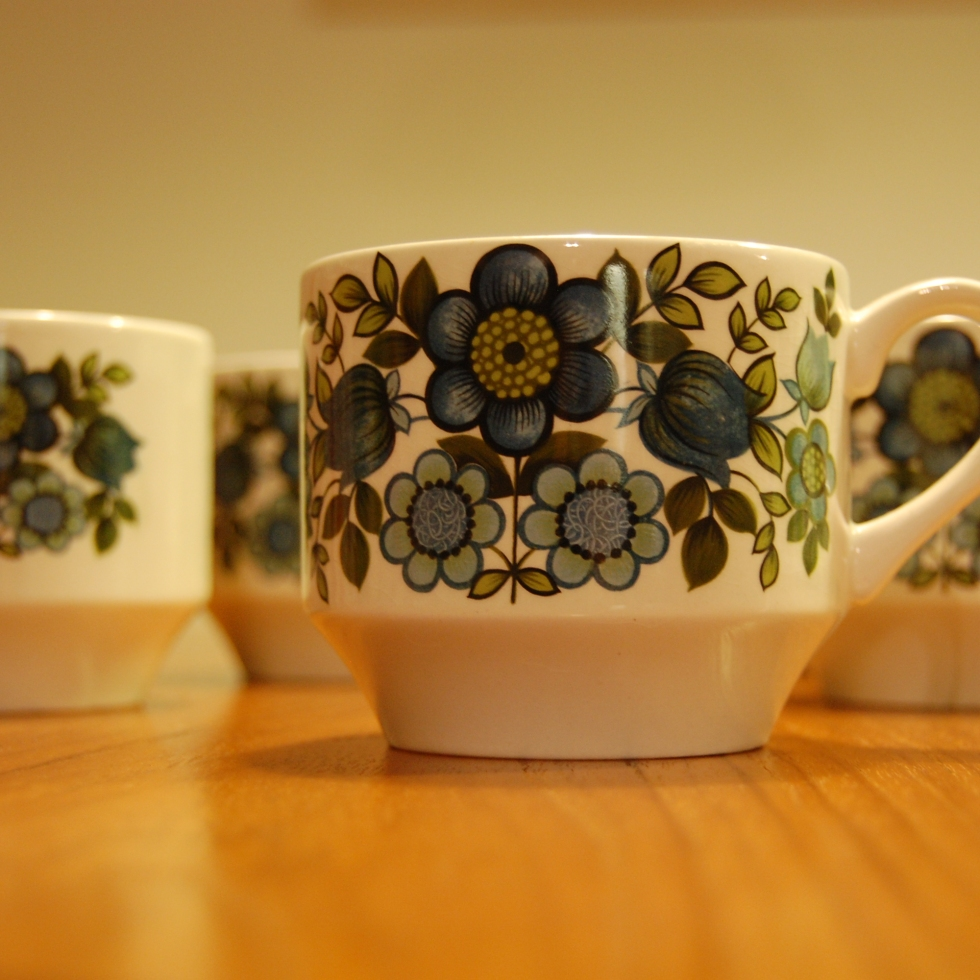 Staffordshire pottery Midwinter Romany cups