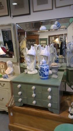 Antiques and vintage furniture and accessories - The Old Flight House
