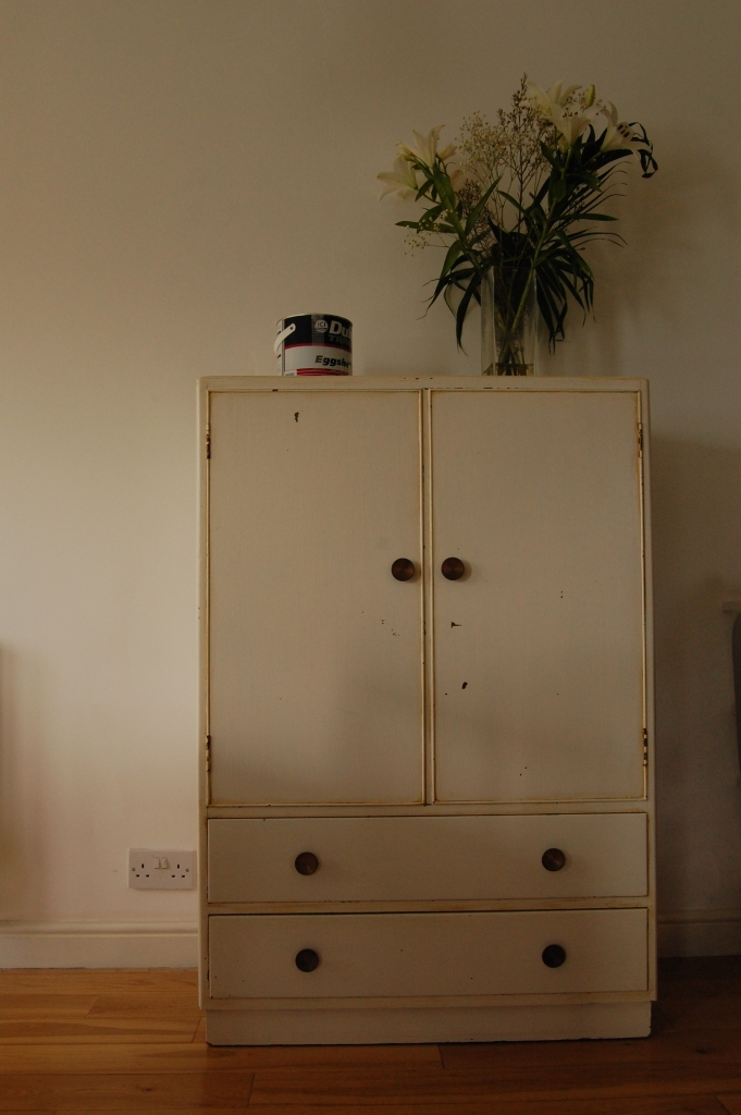 Austinsuite cupboard - before